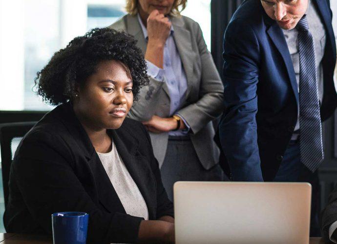 Les experts de la Maison de l'Entrepreneur peuvent vous recevoir pour un premier entretien afin de répondre à vos questions et envisager une éventuelle collaboration.